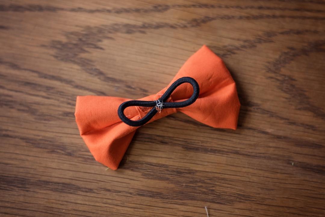 Black elastic on bow tie